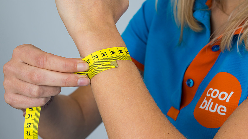 How to measure wrist circumference