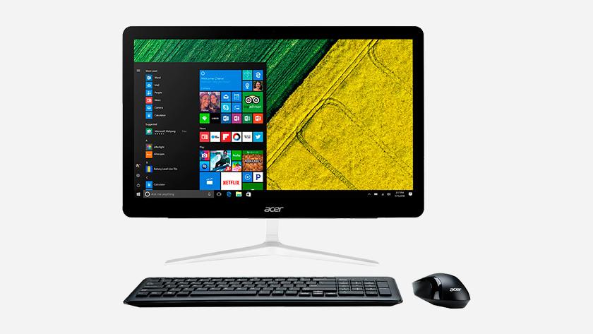 All-in-one pc met toetsenbord en muis.