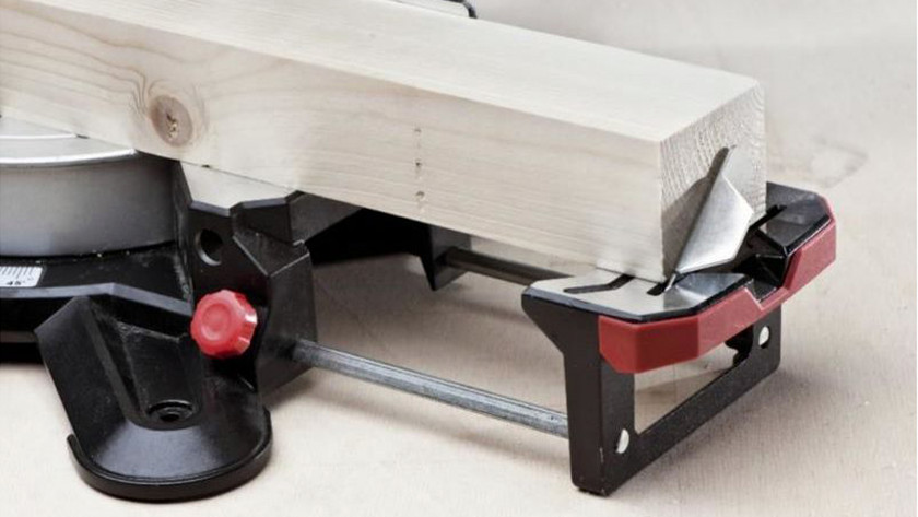 Stable placement radial arm saw