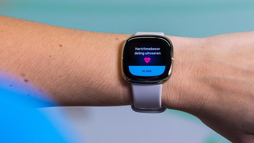 Met de Fitbit Sense maak je een hartfilmpje vanaf je pols.