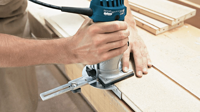 Finishing edges with an edge router