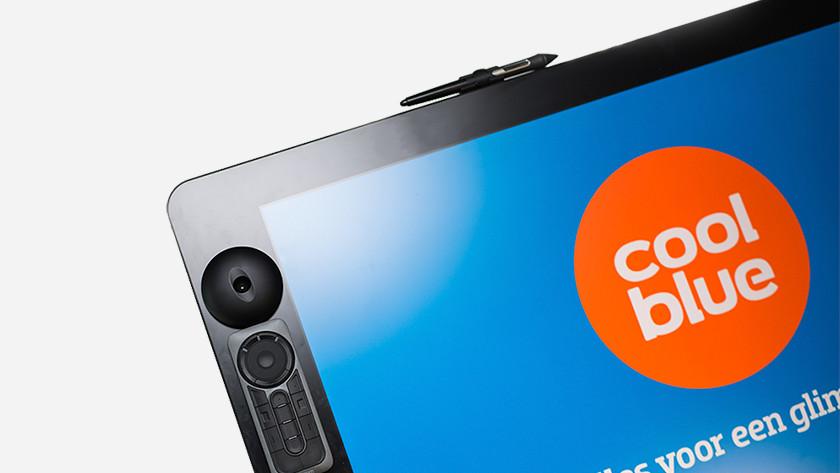 Magnetic screen bezels sides bezels touch Cintiq Pro