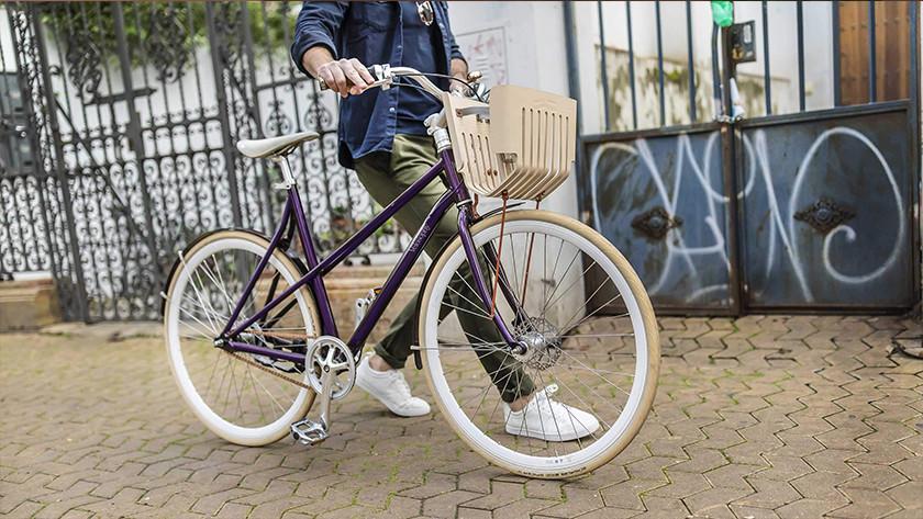 fiets van gerecyclede nespresso cups