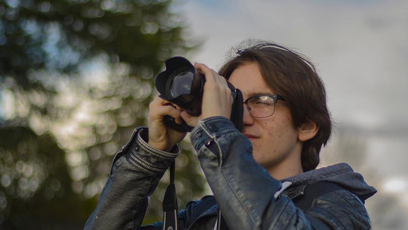 lens hood meaning