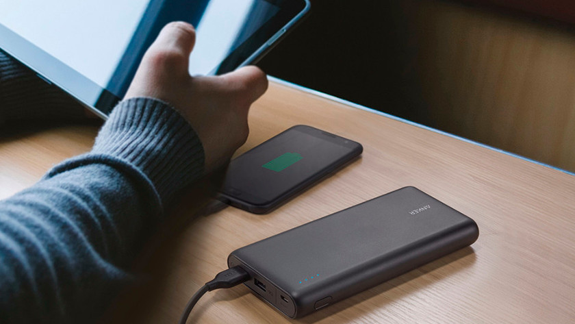 Power bank with 20,000mAh capacity for tablets and laptops