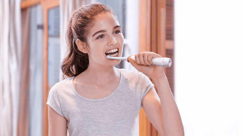 Teenager's electric toothbrush