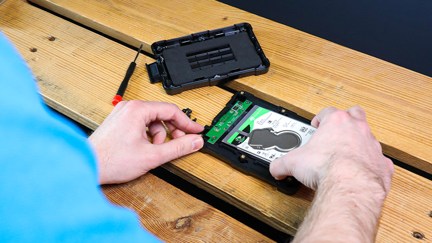 Hard drive enclosure for 2.5-inch SSD