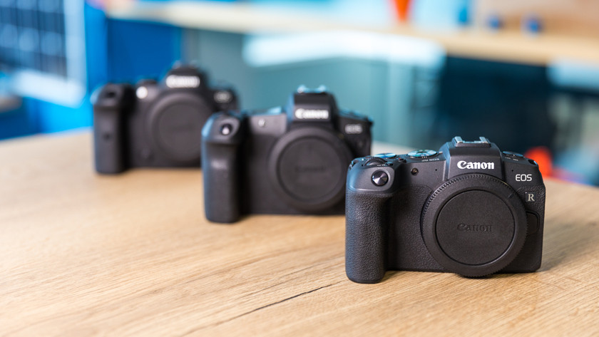 Comparisons with Canon mirrorless cameras