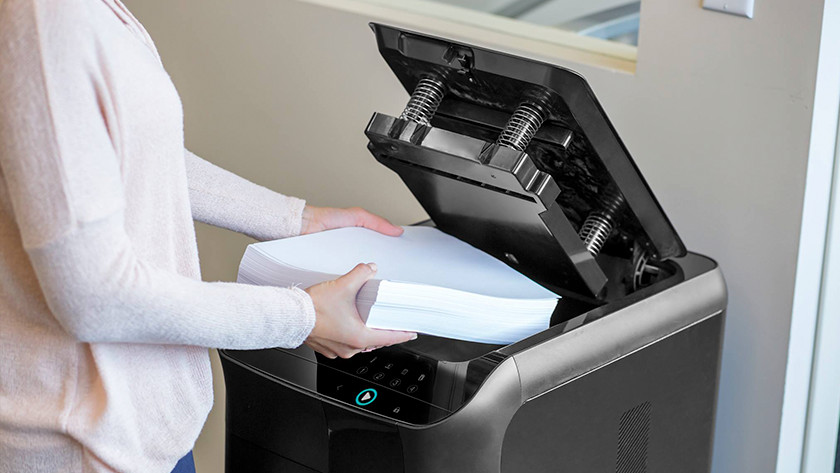 Automatic paper shredder