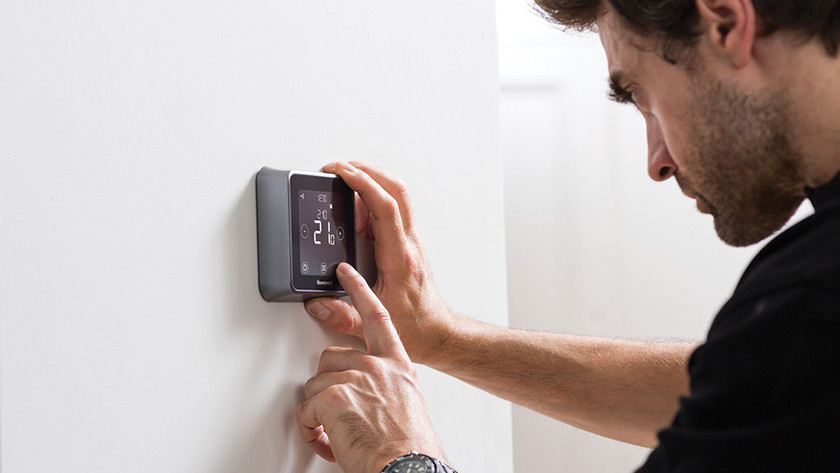 Installing the thermostat