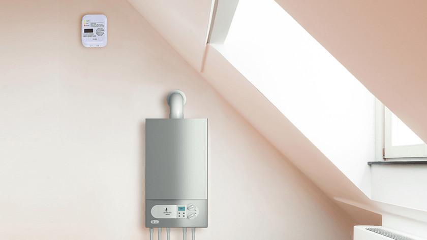 Mounting a carbon monoxide detector