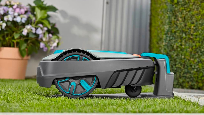 Robot lawn mower base station