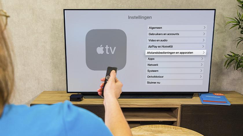 Open de Instellingen-app op Apple TV en ga naar 'Afstandsbedieningen en apparaten'.