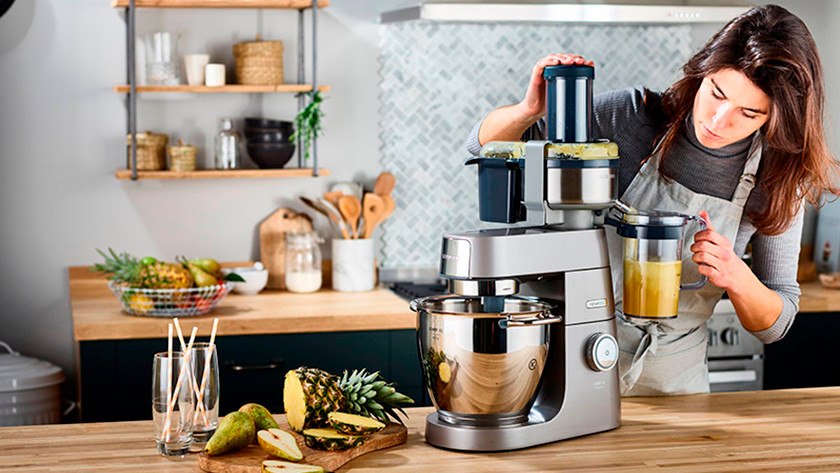 Kenwood stand mixer with juicer
