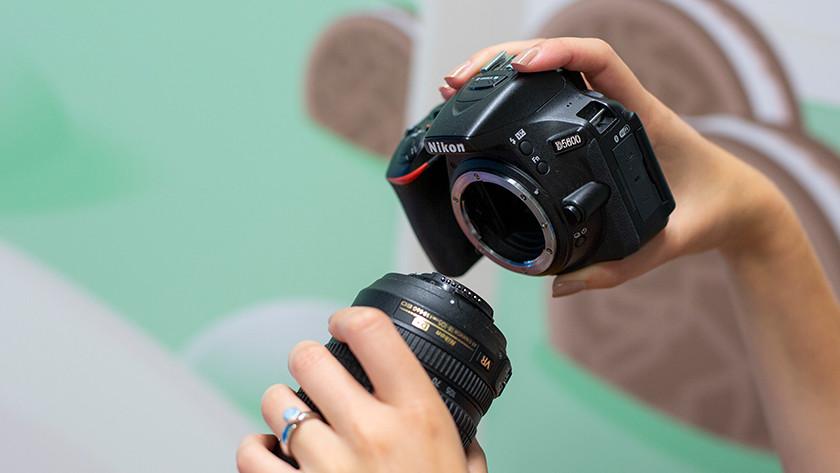 Lens bevestigen