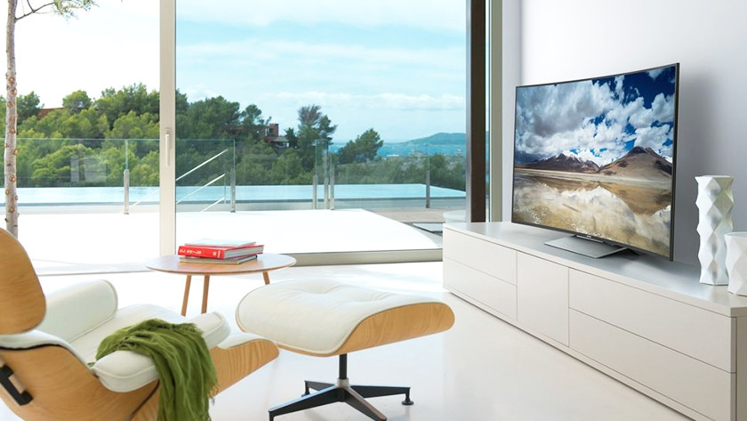 Compare a curved TV to a flat TV - Coolblue - Before 23:59