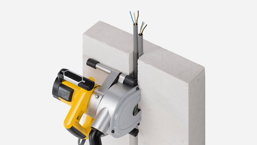 Finishing wall cutter