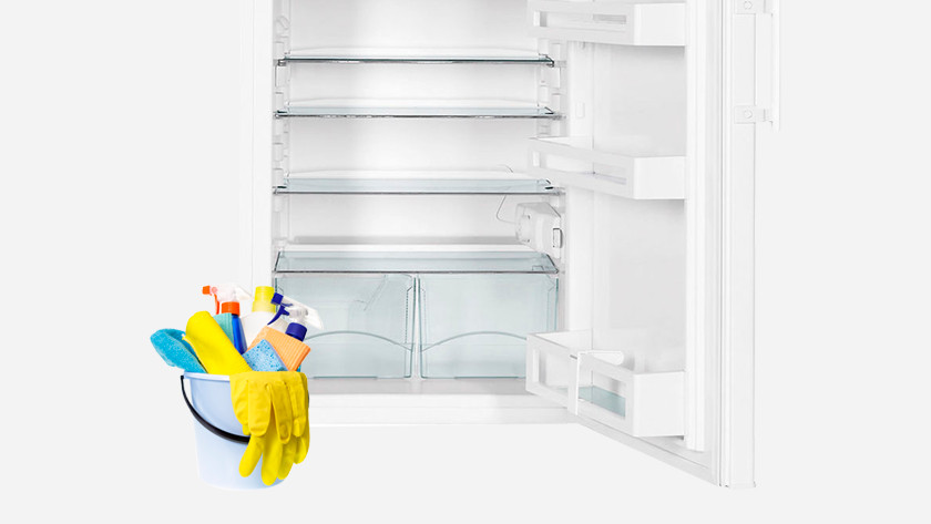 Fridge with cleaning bucket