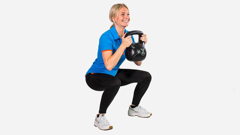 Training Kettlebell leg muscles