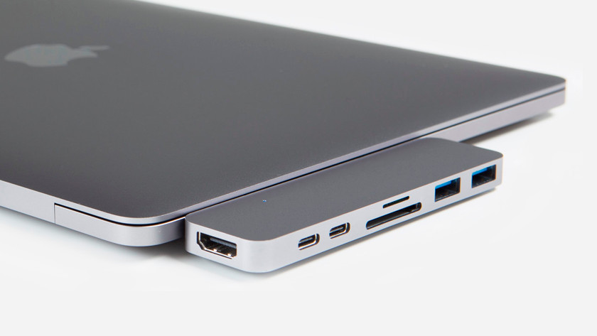 Docking station in Apple MacBook