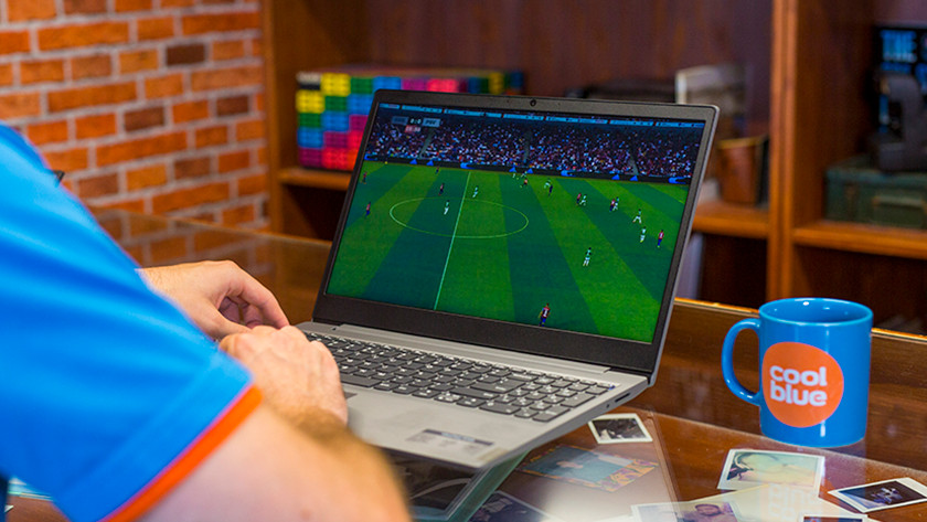 Lenovo IdeaPad S145 voetbal kijken beeldscherm