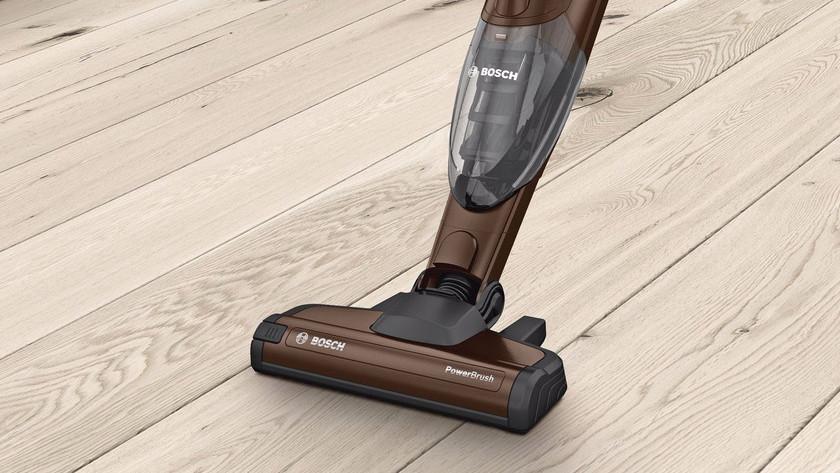 Harde en houten vloer stofzuigen