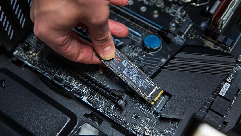 M 2 SSD in motherboard