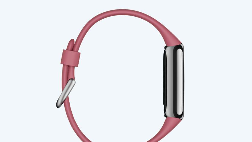 Fitbit Luxe zijkant