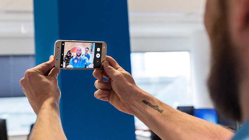 Samsung A3 selfie camera