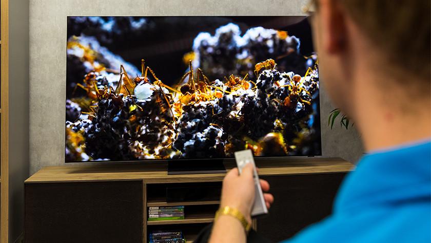 Haarschepre 8K resolutie van de Samsung Q950TS QLED tv