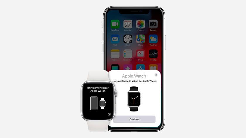 Apple Watch naast iPhone