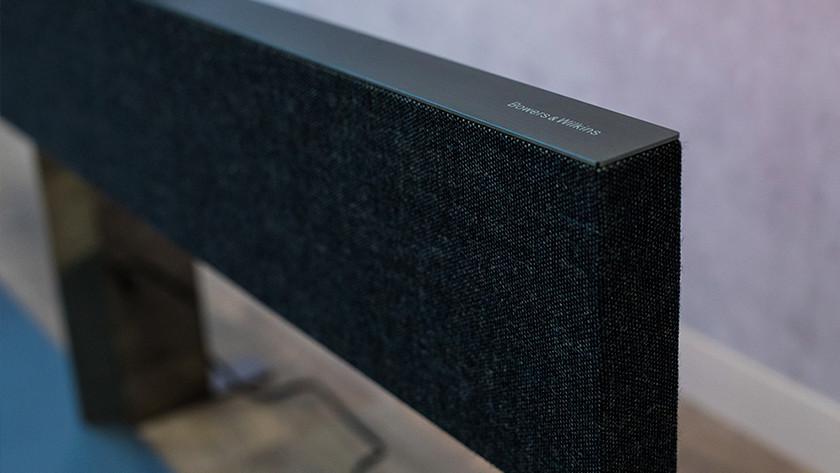 De Bowers & Wilkins soundbar van de Philips 65OLED984