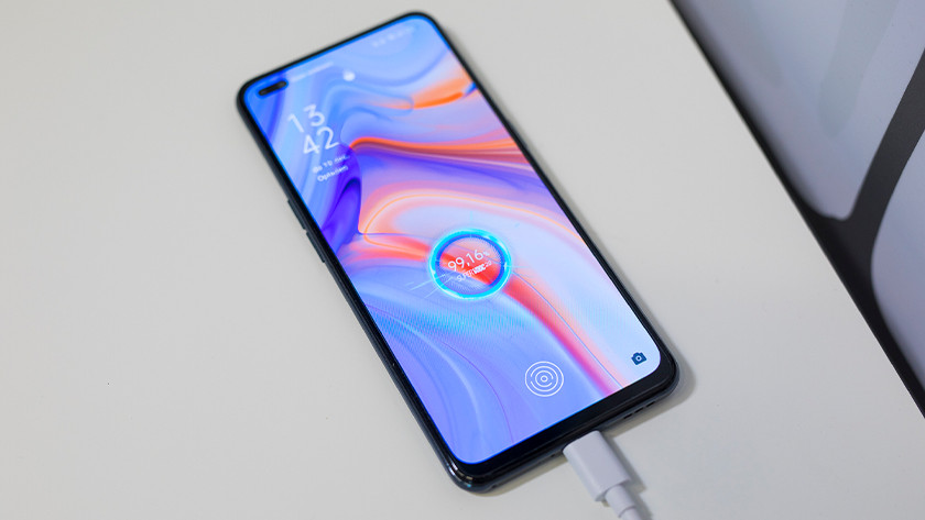 Review OPPO Reno4 opladen