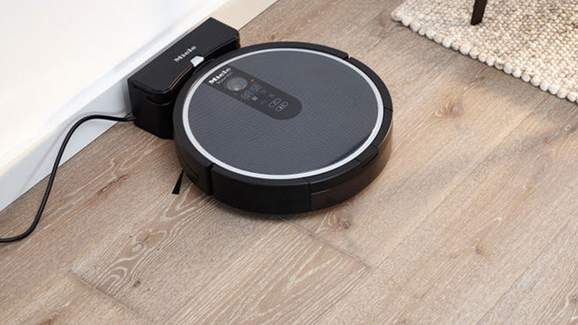 Charging of a robot vacuum