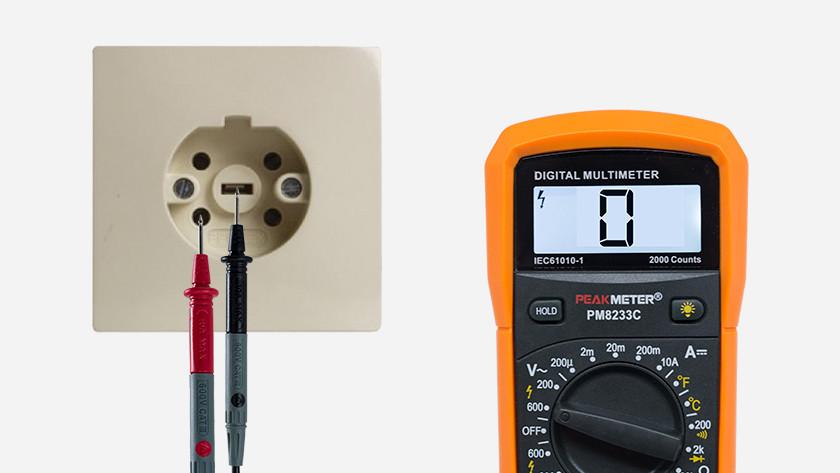 Perilex stopcontact meten met multimeter