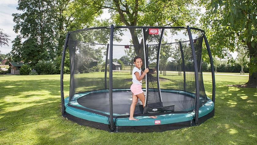 Unpaved surface inground trampoline