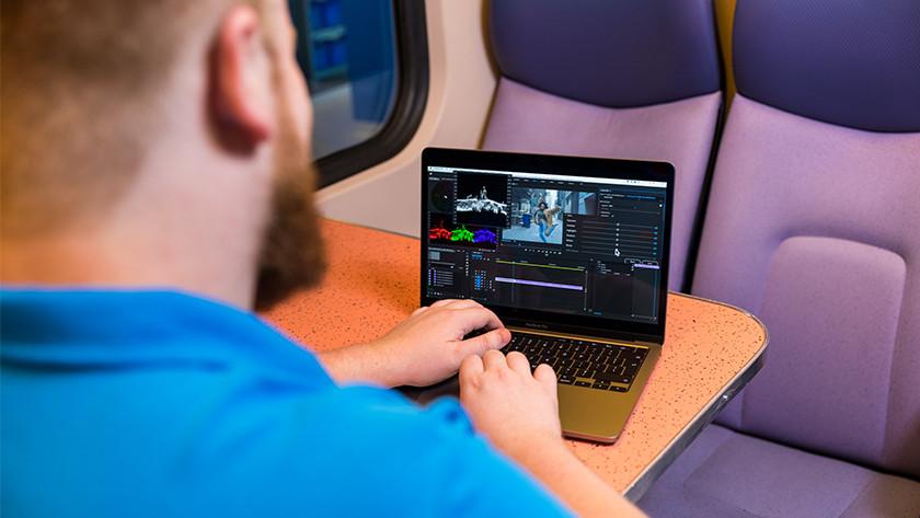 MacBook Pro onderweg