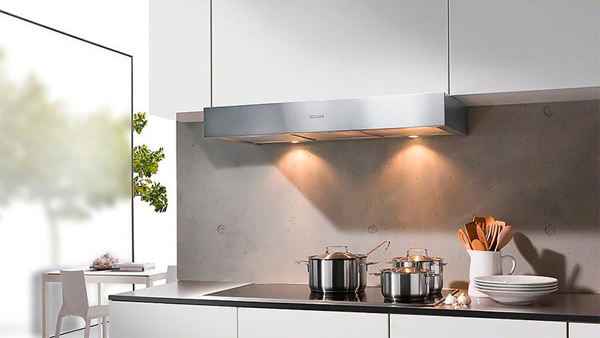 Afzuigkap In Plafond : Koel verlaagd plafond tbv afzuigkap keuken en spotjes werkspot