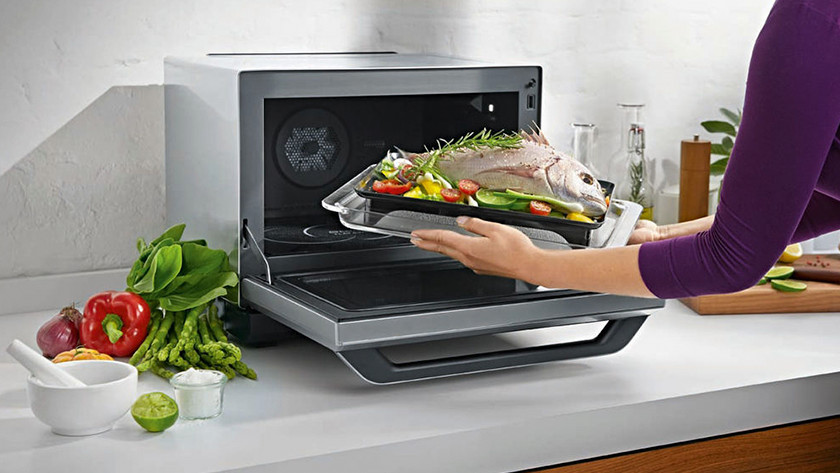 Combi microwave with food