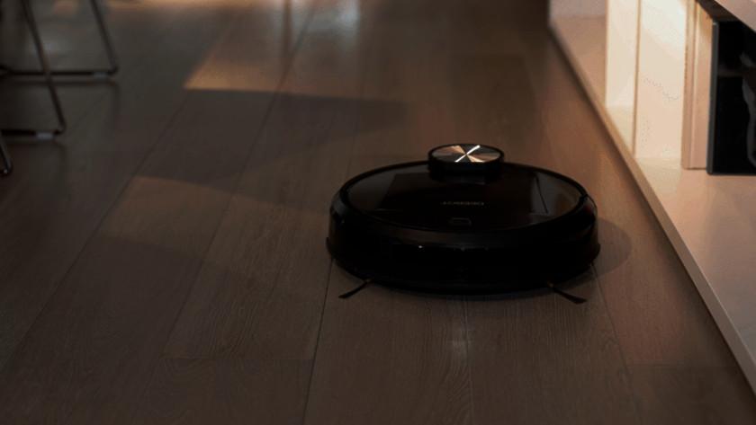 Robotstofzuiger in donker