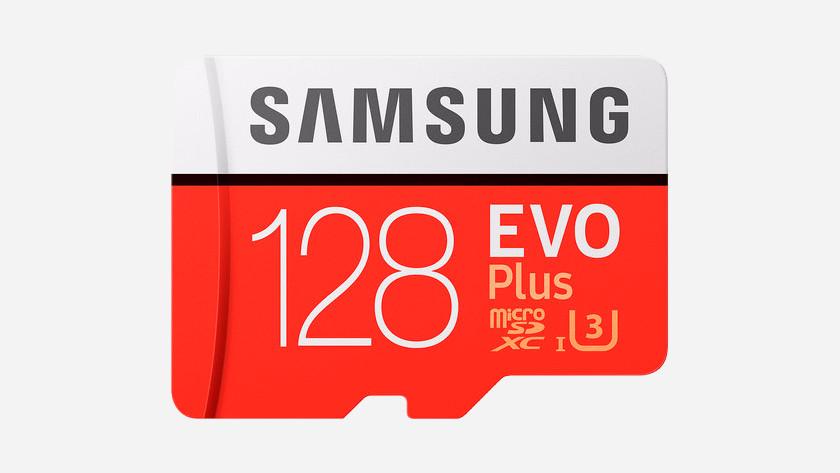 128 gigabyte Samsung microSD kaart.