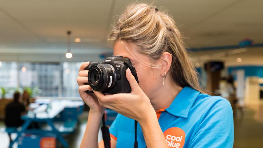Expert reviews of Canon mirrorless cameras