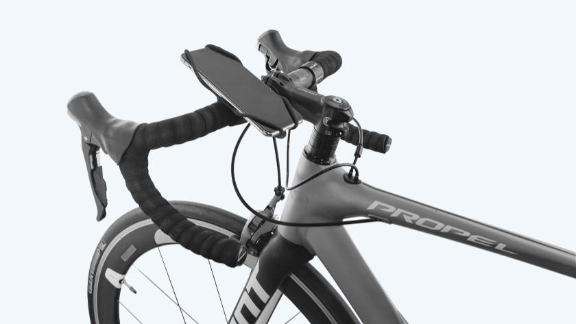 Telefoonhouder op fietsstuur