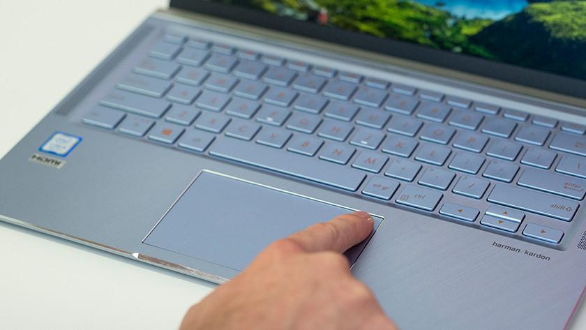 Asus ZenBook inloggen vinger Windows Hello scanner