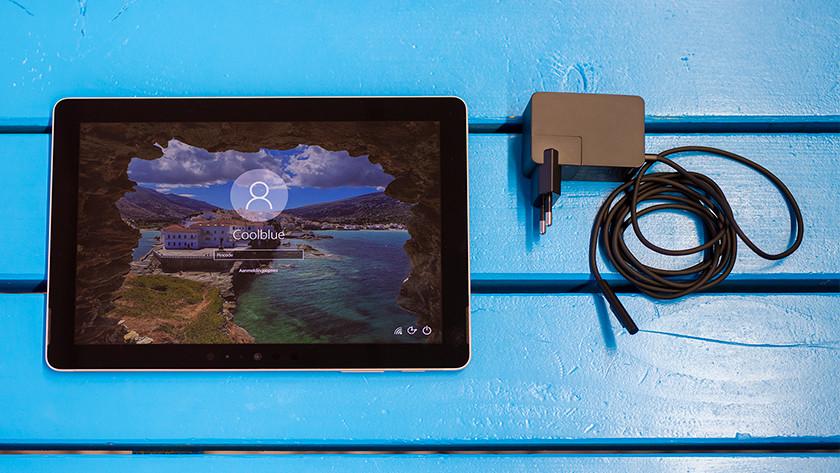 Surface Go uit doos