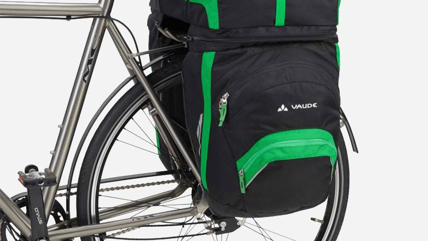 6fa69850ff4 Welke fietstas is het beste voor jou en waarom? Onze specialisten helpen je  graag en testen populaire fietstassen in een review. Zo weet jij precies  wat de ...