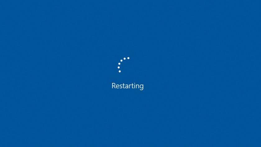 Sluit je pc opnieuw aan op de monitor met de 'no input' melding.