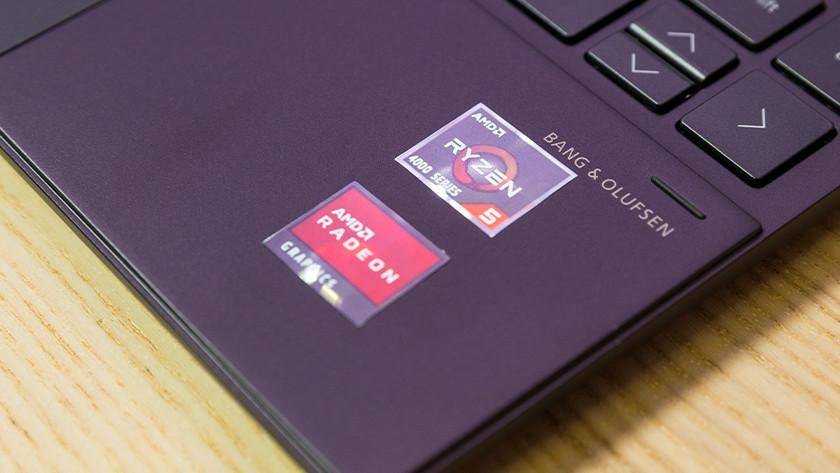 AMD Ryzen processor sticker op laptop.