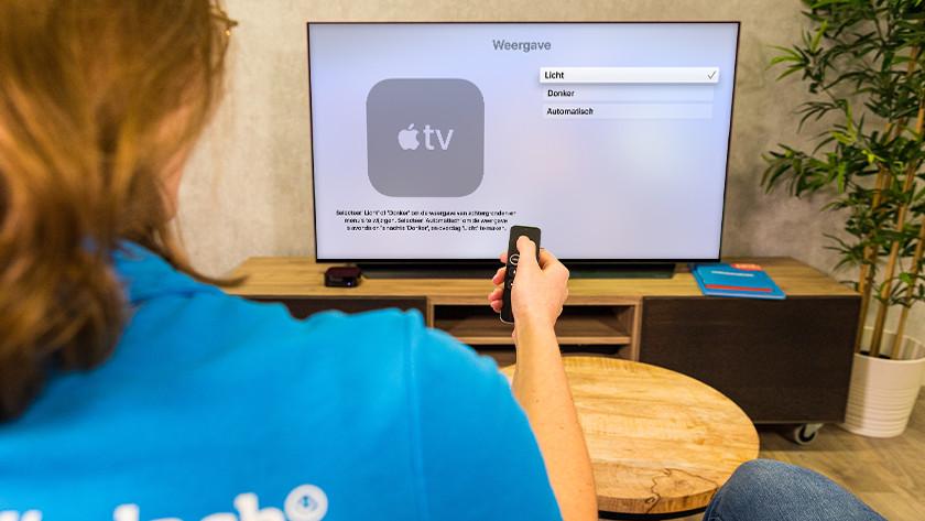 Selecteer 'Donker' om Apple TV in donkere modus op te starten.
