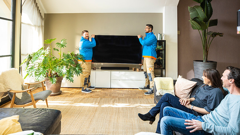 Televisie en soundbar installeren en ophangen